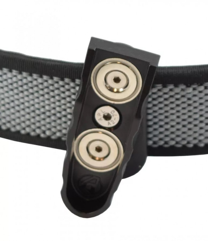 Double Alpha Racer Outward Facing Magnetic Pouch STI/2011